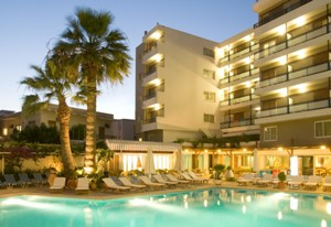 façade hôtel Best Western Plaza Rhodes Grèce