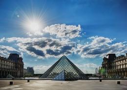 Pyramide musée Louvre Paris France Voyage