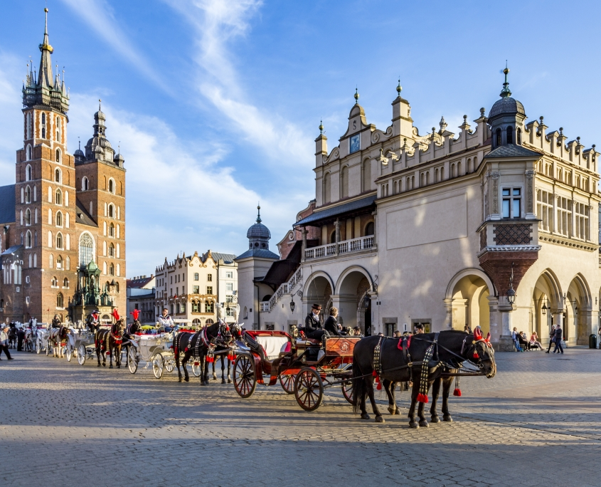 Cracovie calèches Pologne Europe Voyage