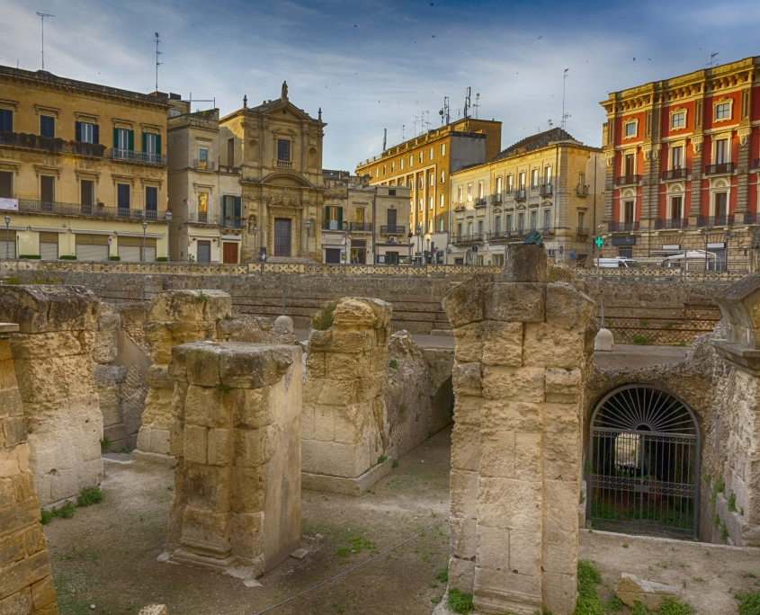 Lecce, ruines de l'amphithéâtre romain Italie Europe Voyage