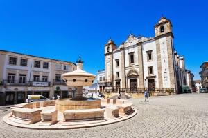 Place Giraldo à Evora, Portugal Europe Voyage