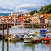 Port de Saint Jean de Luz et ses belles couleurs France Europe Voyage