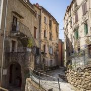 Ruelle de Corte Corse France Voyage Europe