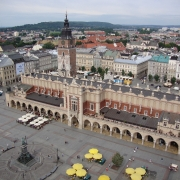 Place aux draps Sukiennice Cracovie Europe Voyage